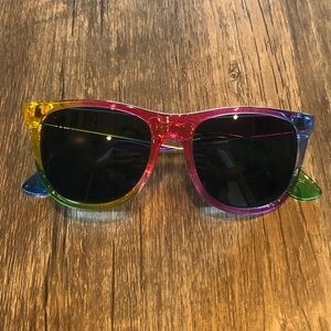 NWOT PINK Victoria's Secret Rainbow Sunglasses